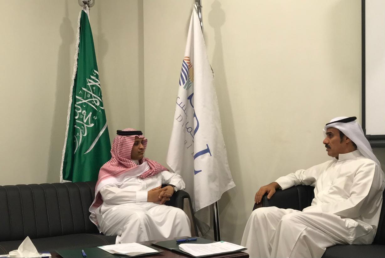 كليات الخليج توقع عقد شراكة مع المكتبة الرقمية السعودية